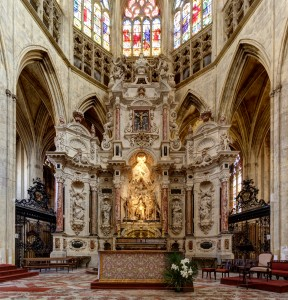 Altar_-_Cathedral_Saint-Etienne_in_Toulouse_-_2012-05-08